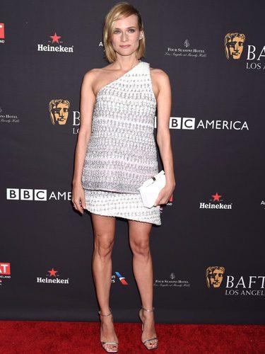 Diane Kruger con vestido asimétrico de Chanel en la fiesta del té de BAFTA
