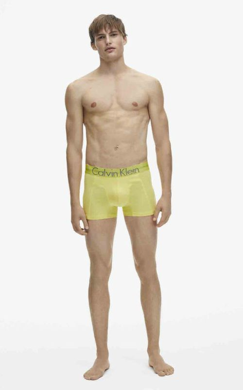 Boxer masculino en color amarillo de la colección spring 2018 de Calvin Klein