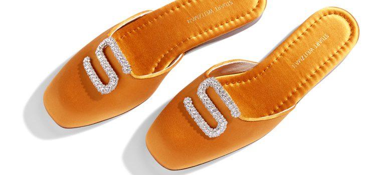 Zapato 'Muletown' en naranja mandarín de la colección personalizable de Stuart Weitzman