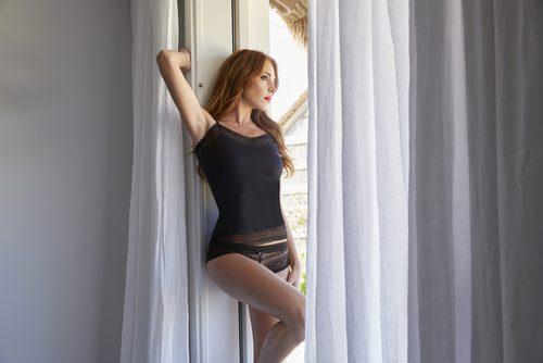 Culotte de encaje de color negro de la colección Primavera/Verano 2018 de Ysabel Mora