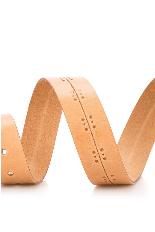 Cinturón anaranjado de la colección de accesorios para la temporada de primavera/verano 2018 de Salsa