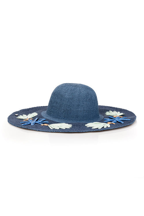 Sombrero azul de la colección de accesorios para la temporada de primavera/verano 2018 de Salsa