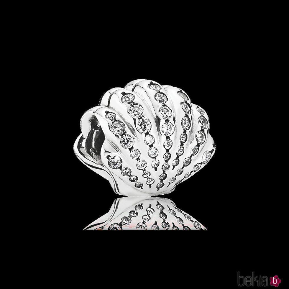 Charm Concha de Ariel de la colección de 'Disney x Pandora' para San Valentín