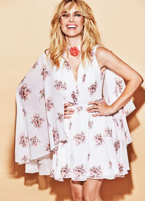 Vestido blanco con estampado floral de la colección PV18 de Patri Conde by Dándara