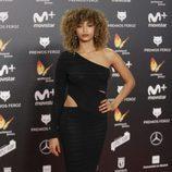 Berta Vázquez con traje negro de corte sirena en los premios Feroz 2018