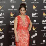 Cristina Medina con un traje de encajes rojo en los premios Feroz 2018