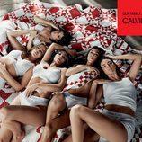 Ropa interior blanca de la colección Calvin Klein primavera/verano  protagonizada por las hermanas Kardashian