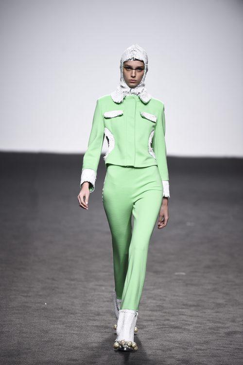 Mono verde menta de María Escote de la campaña otoño/invierno 2018/2019 en la Madrid Fashion Week