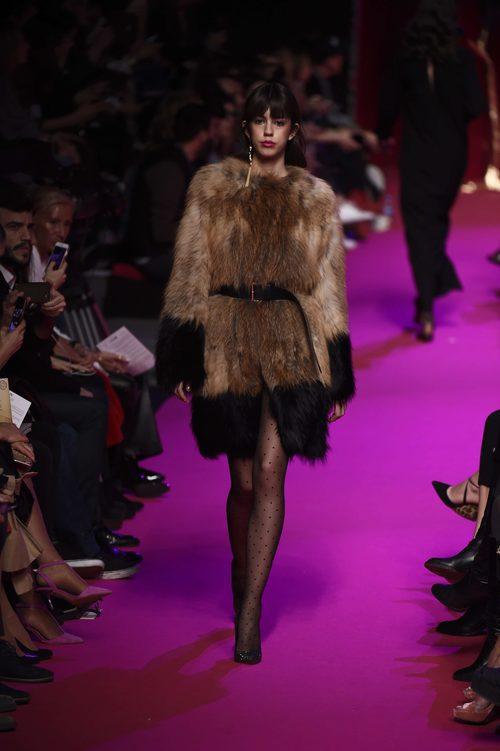 Abrigo de piel de Jorge Vázquez de la campaña otoño/invierno 2018/2019 en la Madrid Fashion Week