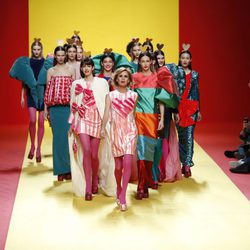 La diseñadora Ágatha Ruíz de la Prada en el desfile de su firma otoño/invierno 2018/2019 en la Madrid Fashion Week
