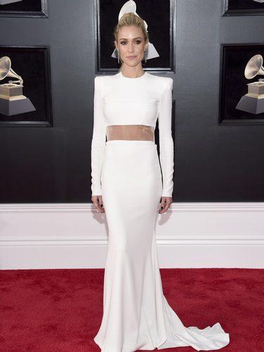Kristin Cavallari con un traje blanco con transparencias