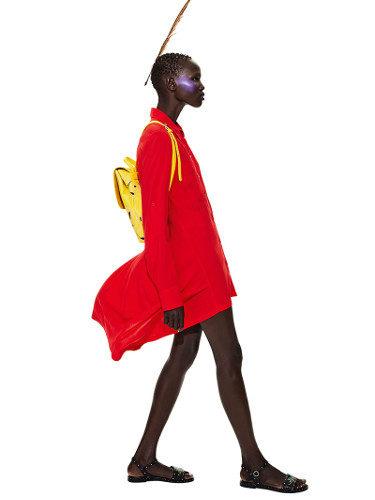 Vestido en rojo de la colección 'Unexpected' de Desigual para la temporada primavera/verano 2018