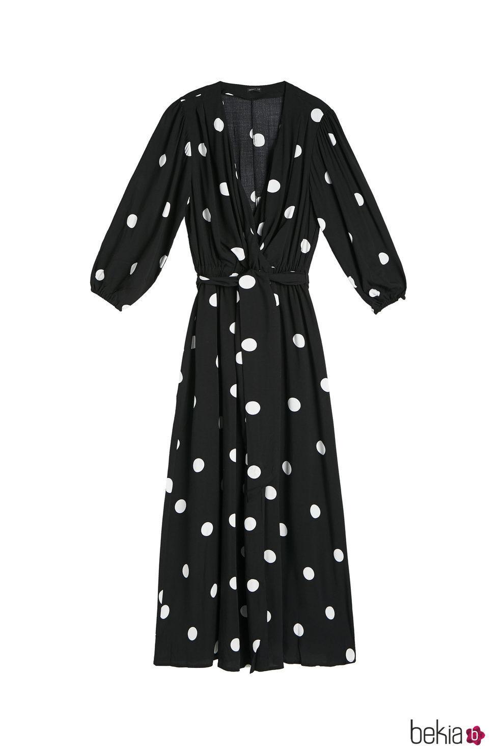 Vestido negro con lunares blancos