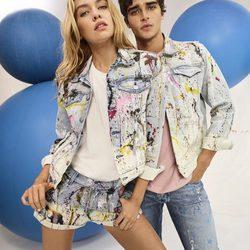 Pepe Jeans presenta su colección primavera/verano 2018 de la mano de Stella Maxwell y Pepe Barroso Silva