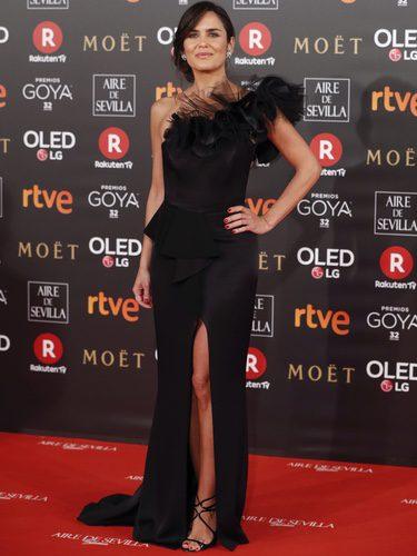 Elena Sánchez con un total black en la alfombra roja de los Premios Goya 2018