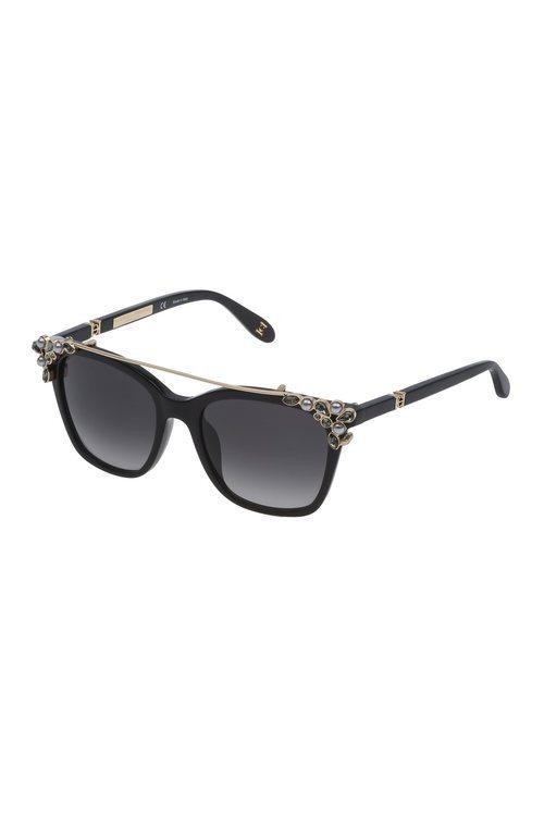 Carolina Herra presenta su nuevo modelo de gafas en color negro con el clip-on en dorado y tonos plateados 2018