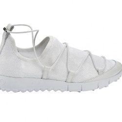 Jimmy Choo presenta su nueva colección apostando por el calzado plano 2018