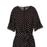 Vestido corto negro de topos blancos de la nueva colección de Dándara 2018