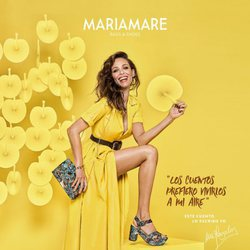 Eva González posa con unas sandalias con estampado floral para la colección de Mariamare primavera/verano 2018