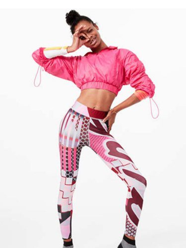 Legging con estampados rosas y blancos  de la colección Asos 4505 de Asos activewear