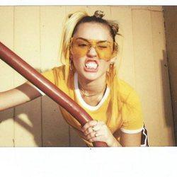 Miley Cyrus y Converse mustran looks deportivos en su nueva campaña  2018