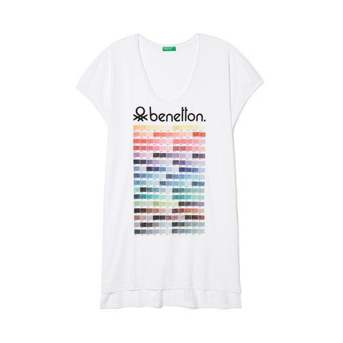 Camiseta blanca con tonalidades de United Colors Of Benetton de la colección para primavera/verano 2018
