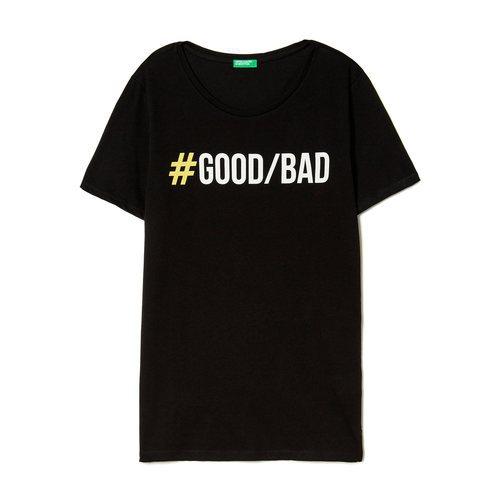 Camiseta negra con mensaje Good/bad de United Colors Of Benetton de la colección para primavera/verano 2018