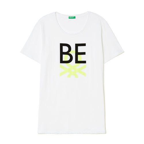 Camiseta blanca con mensaje Be de United Colors Of Benetton de la colección para primavera/verano 2018