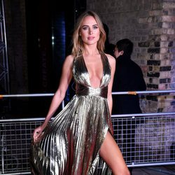 Kimberley Garner con un vestido brillante en la noche solidaria de la fundación Fabulous Fund Fair 2018