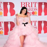 Dua Lipa con un traje de tul rosa de Giambattista Valli en los Brit Awards 2018