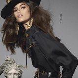 Kaia Gerber con un look vaquero y un sombrero en color negro 2018