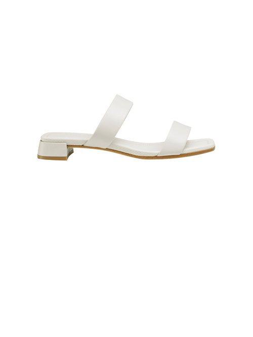 Sandalia en color blanca de dos tiras de la Nueva Colección de Accesorios de Cos 2018
