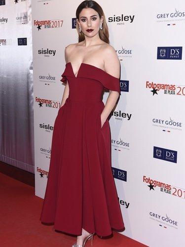 Blanca Suárez con un vestido rojo de falda midi de Pedro del Hierro en los Premios Fotogramas de Plata 2017