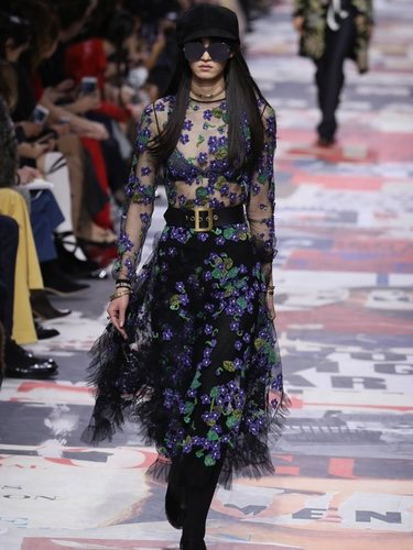 Blusa transparente con estampados florales de Dior otoño/invierno 2018/2019 en la Paris Fashion Week