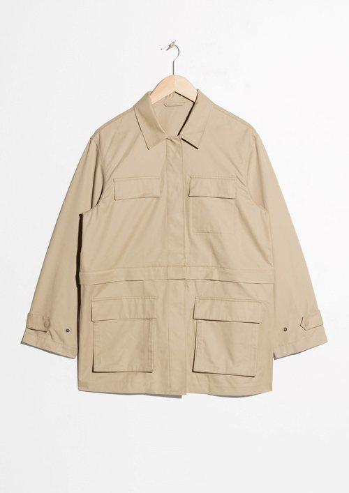 chaqueta militar en color beige e la Nueva Colección Primavera/Verano 2018 de & Other Stories