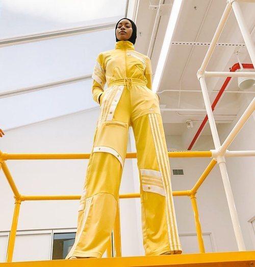 Conjunto de chándal amarillo de la Nueva Colección Cápsula de Adidas 2018