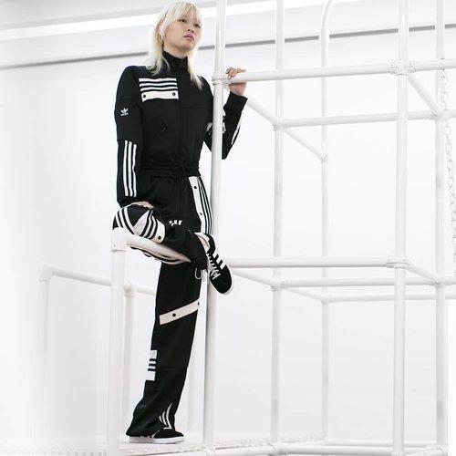 Chándal Adidas en color negro de la Nueva Colección Cápsula 2018