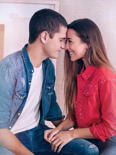 Paula Gonu con su pareja en la Nueva Campaña de Lefties 2018