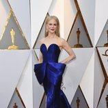Nicole Kidman con un vestido ajustado en la alfombra roja de los Premios Oscar 2018
