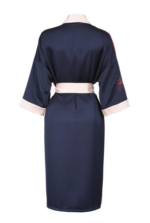 Kimono maxi azul marino de la nueva colección de Pinko de kimonos