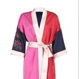 Kimono maxi azul marino, rosa y rojo de la nueva colección de Pinko de kimonos