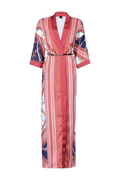 Kimono maxi de tonalidad coral de la nueva colección de Pinko de kimonos