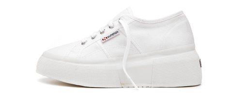 Zapatilla blanca Up5 en color blanca con la suela en blanca de la firma Superga