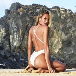 TropicfC es una nueva línea de bikinis creada por Candice Swanepowel