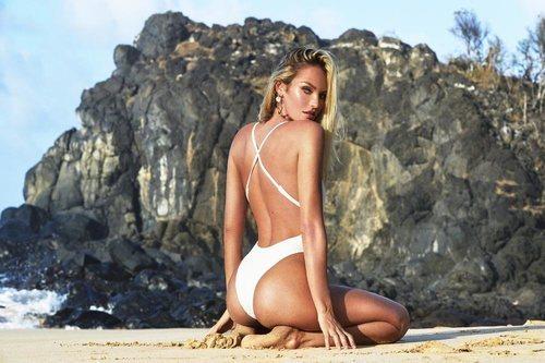 Bañador blanco con multitiras de la la nueva línea de bikinis TropicfC
