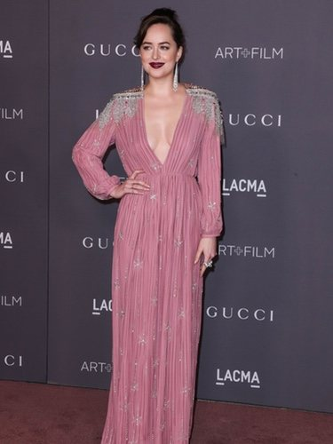 Dakota Johnson vestida de Gucci en la gala LACMA 2017