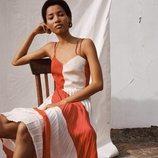 Vestido rojo y blanco con la tela de la falda plisada de Spring Shades Mango para la primavera 2018