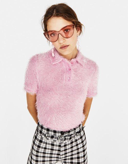 Polo de manga corta y pelo rosa de Bershka para la primavera/verano 2018