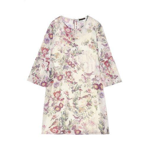 Vestido corto con estampado de flores de la nueva colección Primavera/Verano 2018 de Sisley