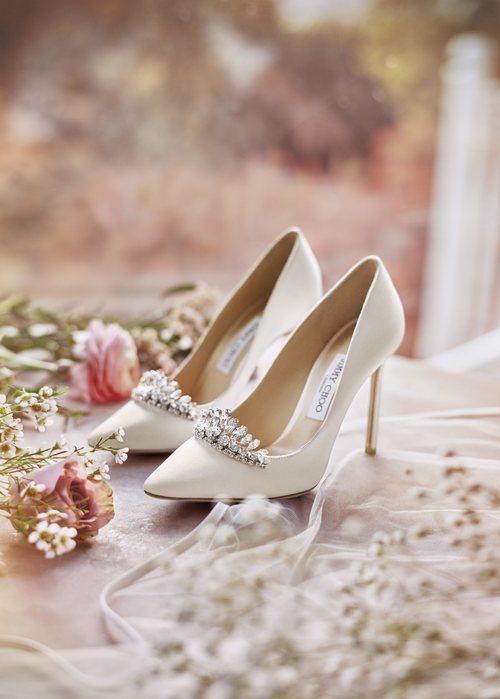Zapatos de tacón con cristales de swarovski inspirados en la cenicienta de Jimmy Choo Bridal 2018